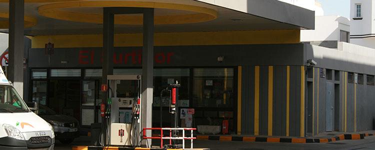 Resultado de imagen de gasolinera de Puerto del Rosario